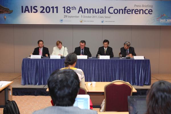 IAIS press conference, Seoul 2011